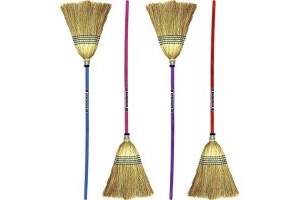 Faulk's Large Coloured Handle Corn Broom: Pistachio