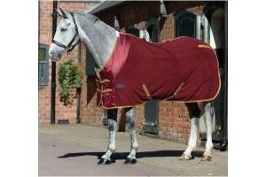 WeatherBeeta Polar Fleece Cooler Burgundy/Gold