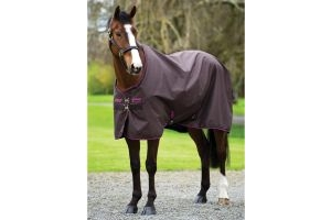Horseware Amigo Hero 900 50g Lightweight Standard Neck Turnout Rug Chocolate/Raspberry