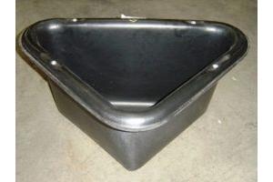 Stubbs Stable Corner Manger x Size: 31 Lt Black (S2P)