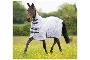 Shires Tempest Combo Neck Fly Rug White/Fuchsia/Navy