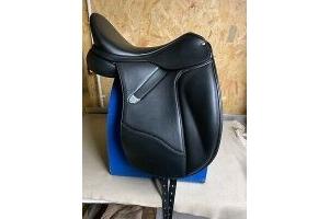 Bates Dressage + LUXE Saddle - Black, 17.5