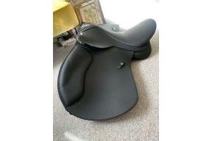 Wintec 500 WIDE All Purpose Adjustable GP Saddle HART Black 16 1/12