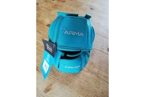 ARMA TOUCH CLOSE OVER REACH BOOTS. COB SIZE. TEAL.
