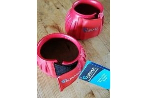 ARMA TOUCH CLOSE OVER REACH BOOTS. FULL. RED.