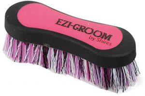 Shires Ezi-Groom Face Brush Pink